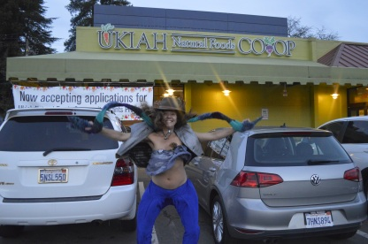 Support your nearby COOP and Farmers Market! What's goINg in?